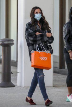 Terri Seymour - Shopping candids in Los Angeles