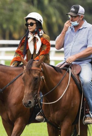 Tessa Thompson - Horse riding lessons in Sydney's Centennial Park