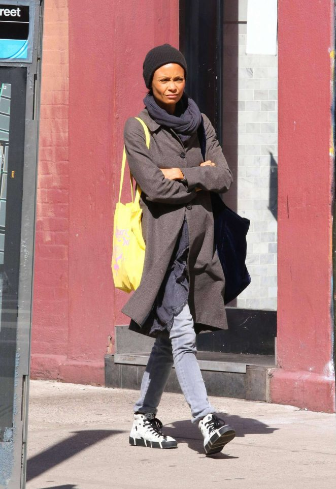 Thandie Newton - Shopping in New York