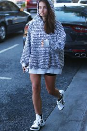 Thylane Blondeau buying a phone in West Hollywood