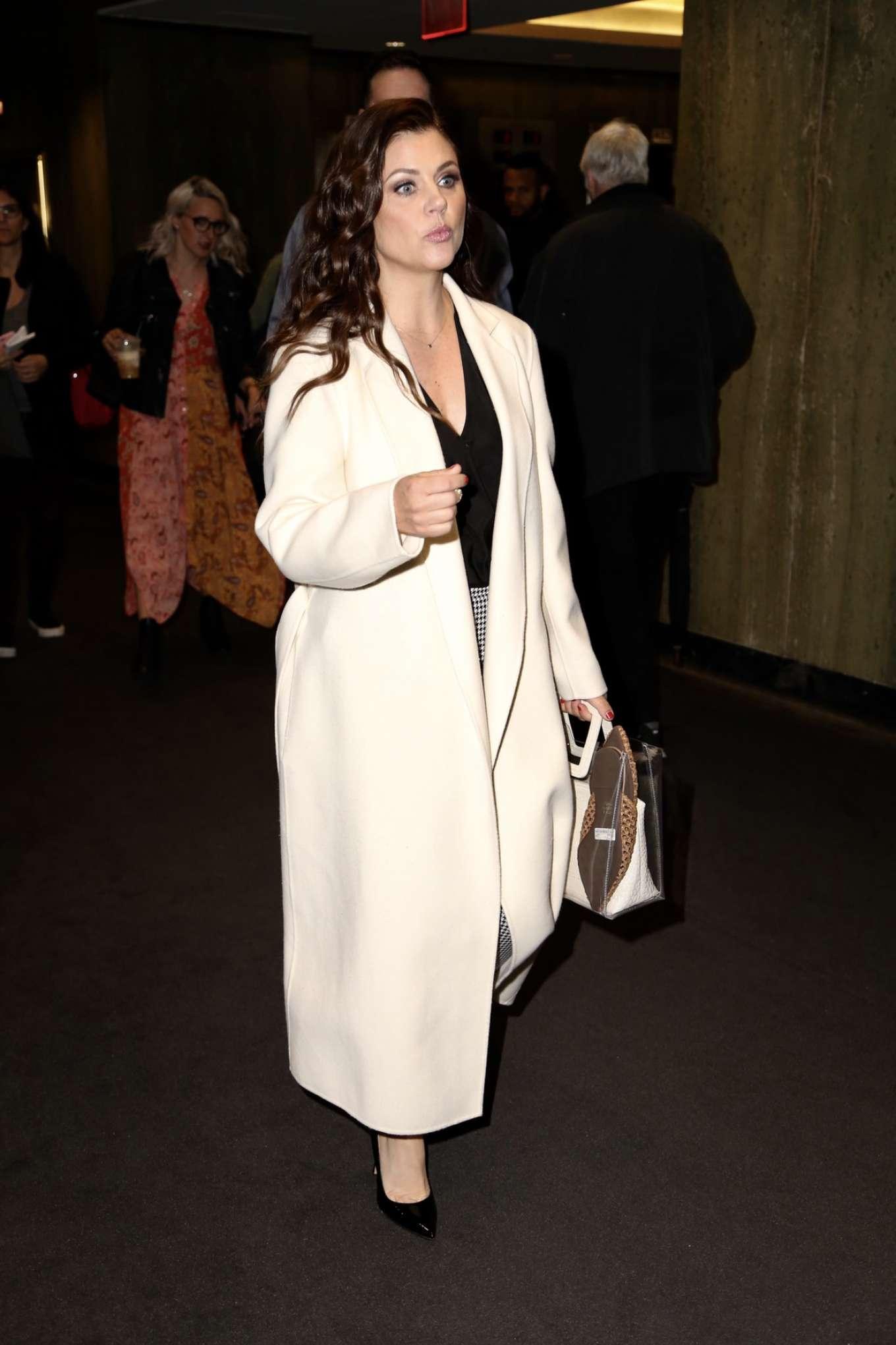 Loris black ribbed cuff sweater on Alexa & Katie in 2020 | Tv show outfits, Fashion tv, Black rib