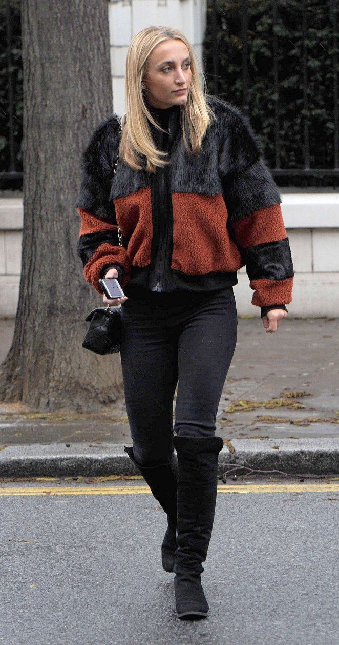 Tiffany Watson - Filming on the fashionable Kings Road in Chelsea