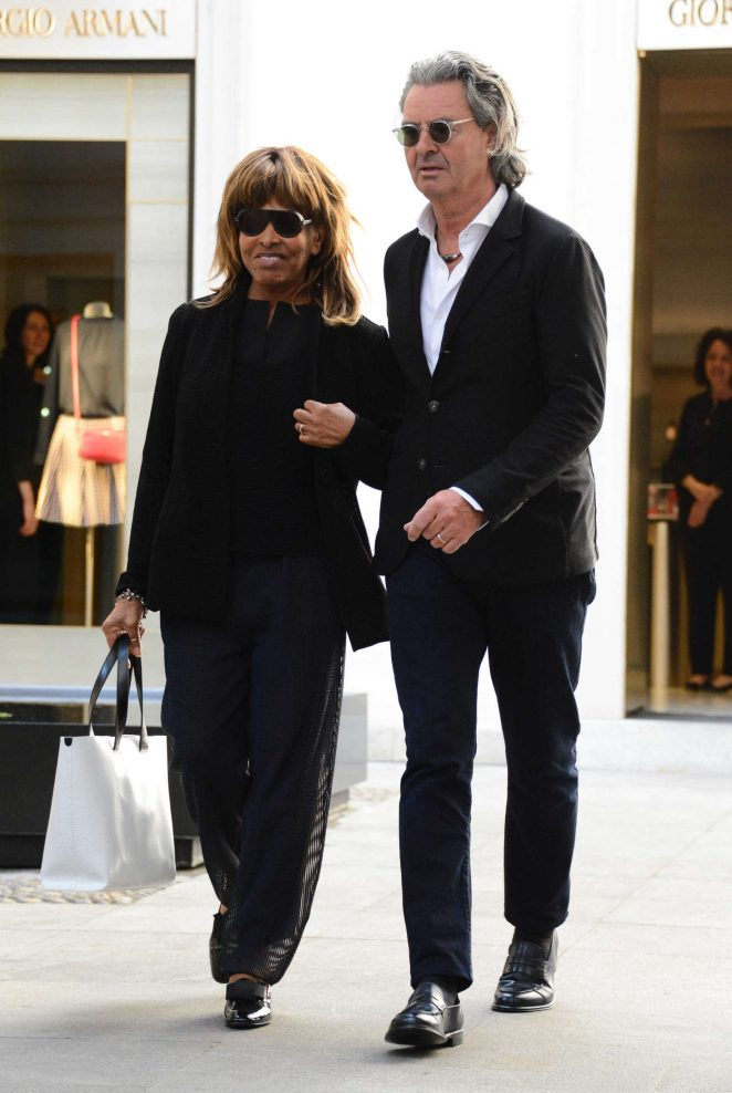 Tina Turner with her husband Erwin Bach on holiday in Italy -04 - GotCeleb
