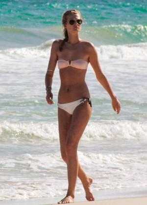 Toni Garrn in Bikini -02