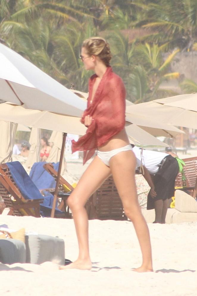 Toni Garrn 2016 : Toni Garrn in Bikini -05