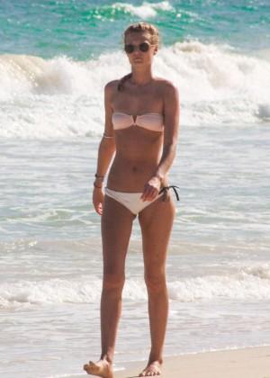 Toni Garrn in Bikini -16