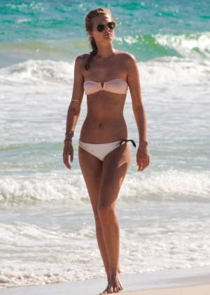Toni Garrn in Bikini -21