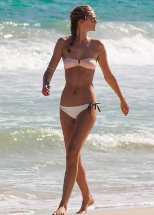 Toni Garrn in Bikini -23