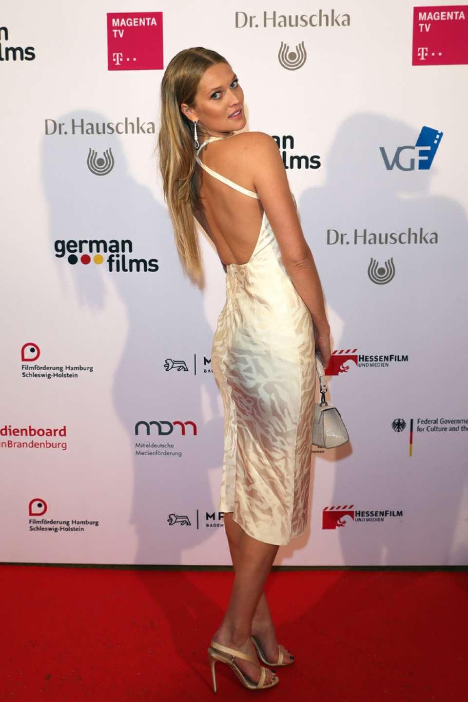 Toni Garrn 2019 : Toni Garrn: German Films x Dr Hauschka Cocktail-04