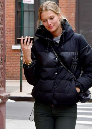 Toni Garrn - Out in New York