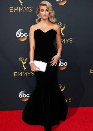 Tori Kelly - 2016 Emmy Awards in Los Angeles