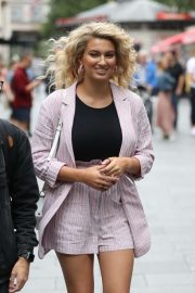 Tori Kelly - Arrives at Global Offices in London