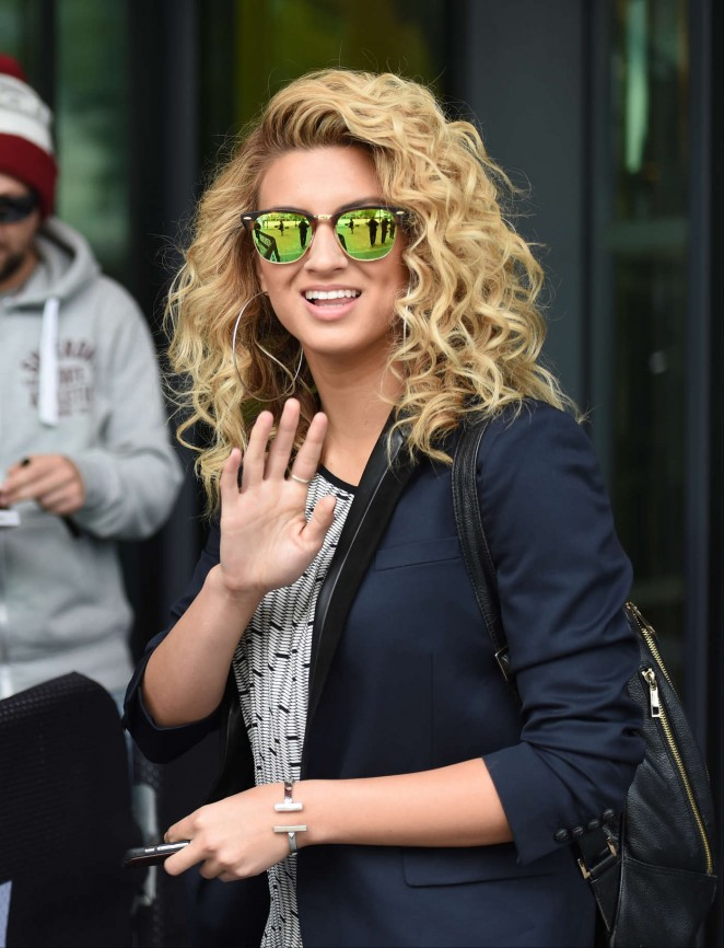 Tori Kelly - BBC Breakfast in Manchester