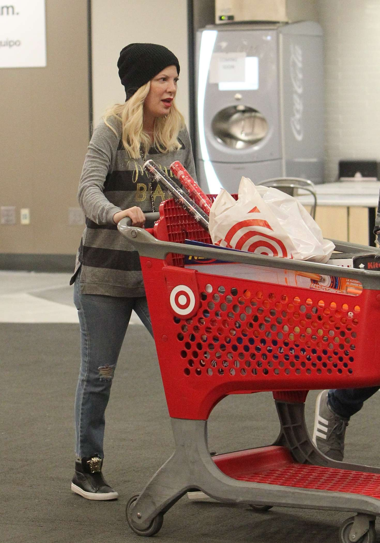 Tori Spelling 2018 : Tori Spelling: Christmas Shopping at Target -04