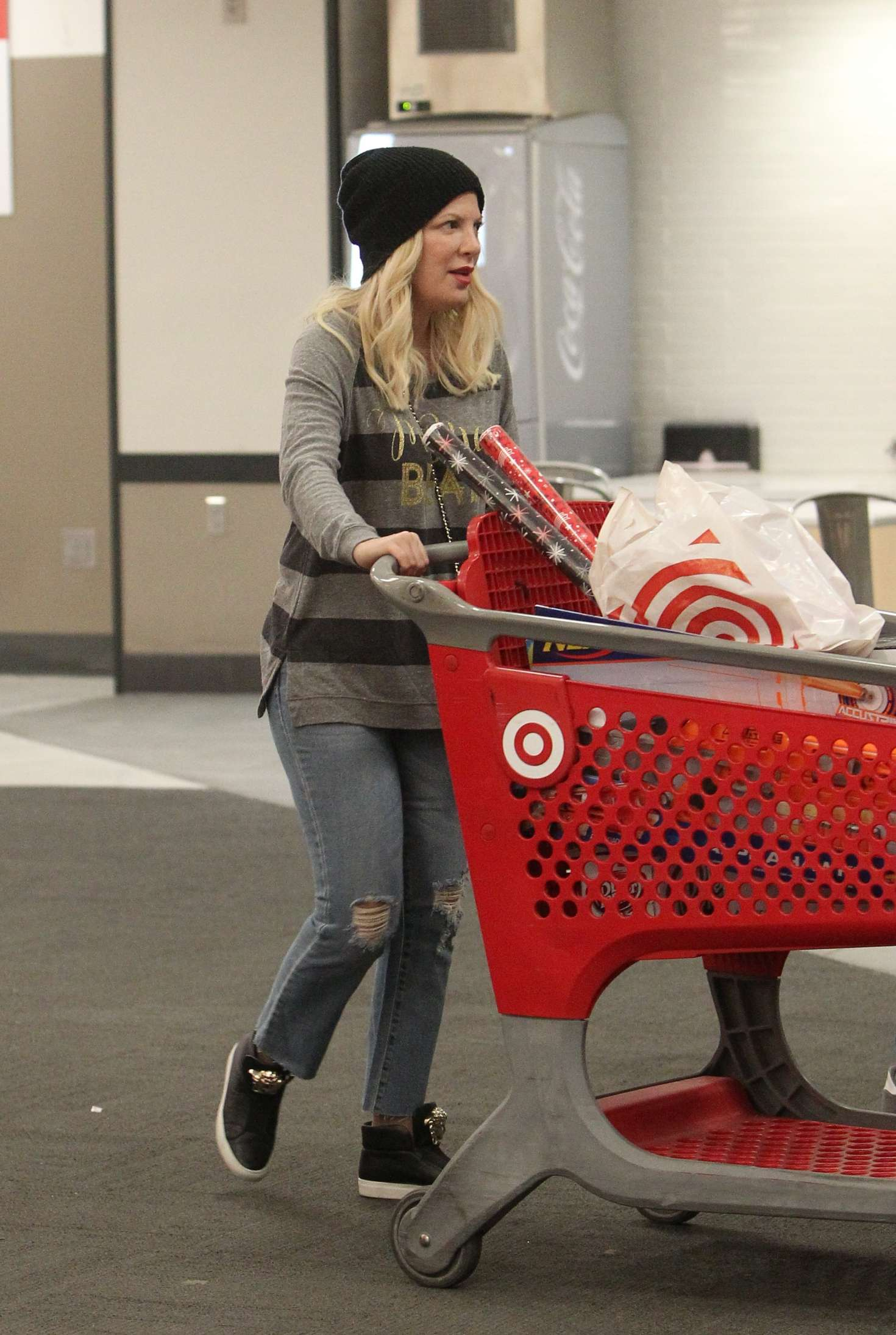 Tori Spelling 2018 : Tori Spelling: Christmas Shopping at Target -05