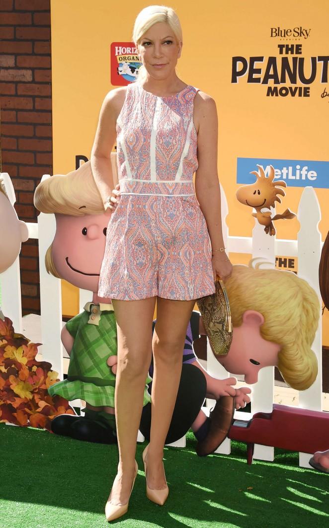 Tori Spelling – 'The Peanuts Movie' Premiere in Los Angeles