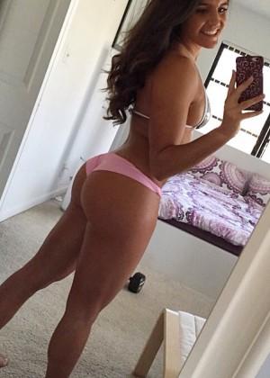 Toria Schmidt - Hottest Pics