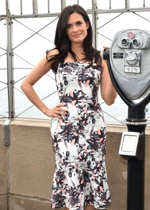 Torrey Devitto - Visiting The Empire State Building in NYC