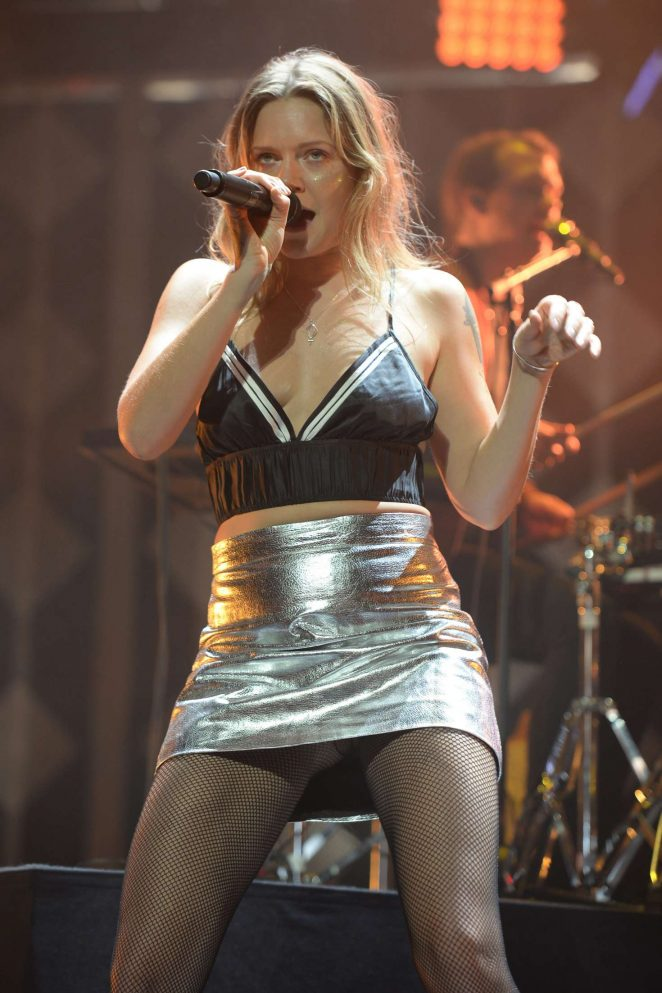 Tove Lo: Performs at I Heart Radio Y-100 Jingle Ball -14
