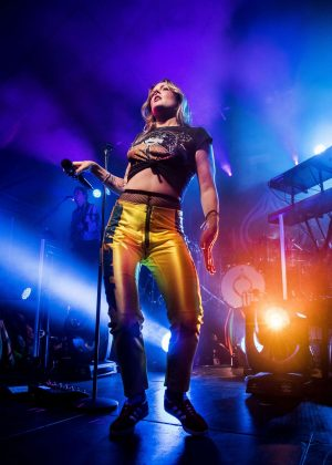 Tove Lo - Performs on stage in Stockholm