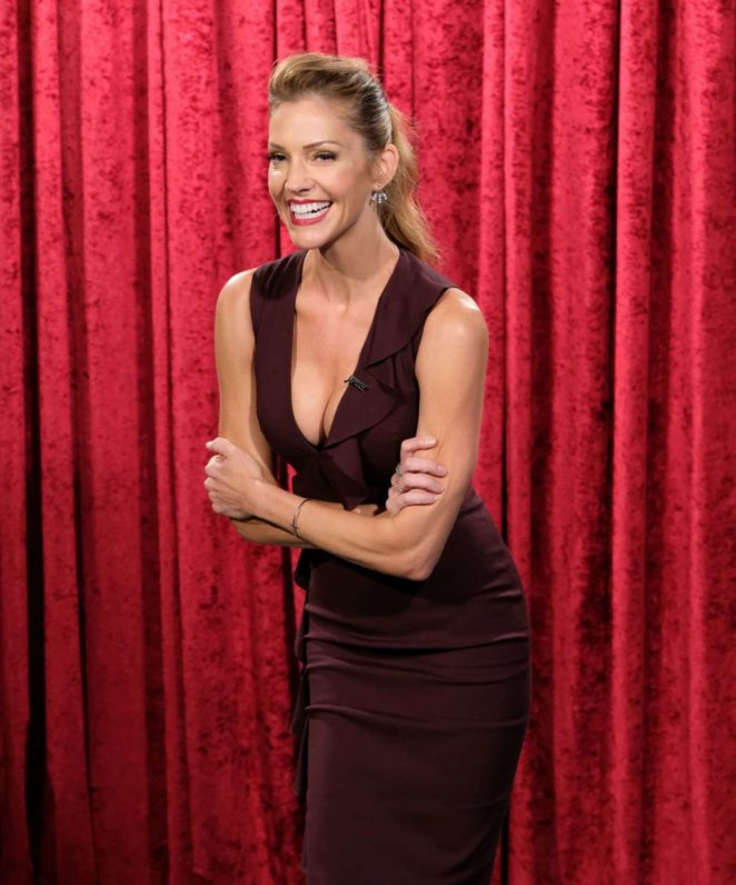 Photo Lucifer Season 3 Tricia Helfer As The Mother: TV Show Lucifer In Los Angeles