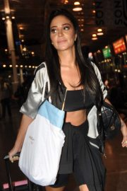 Tulisa Contostavlos - Arriving at Manchester Piccadilly Train Station