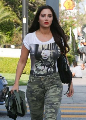 Tulisa Contostavlos - Heads to the recording studio in Los Angeles