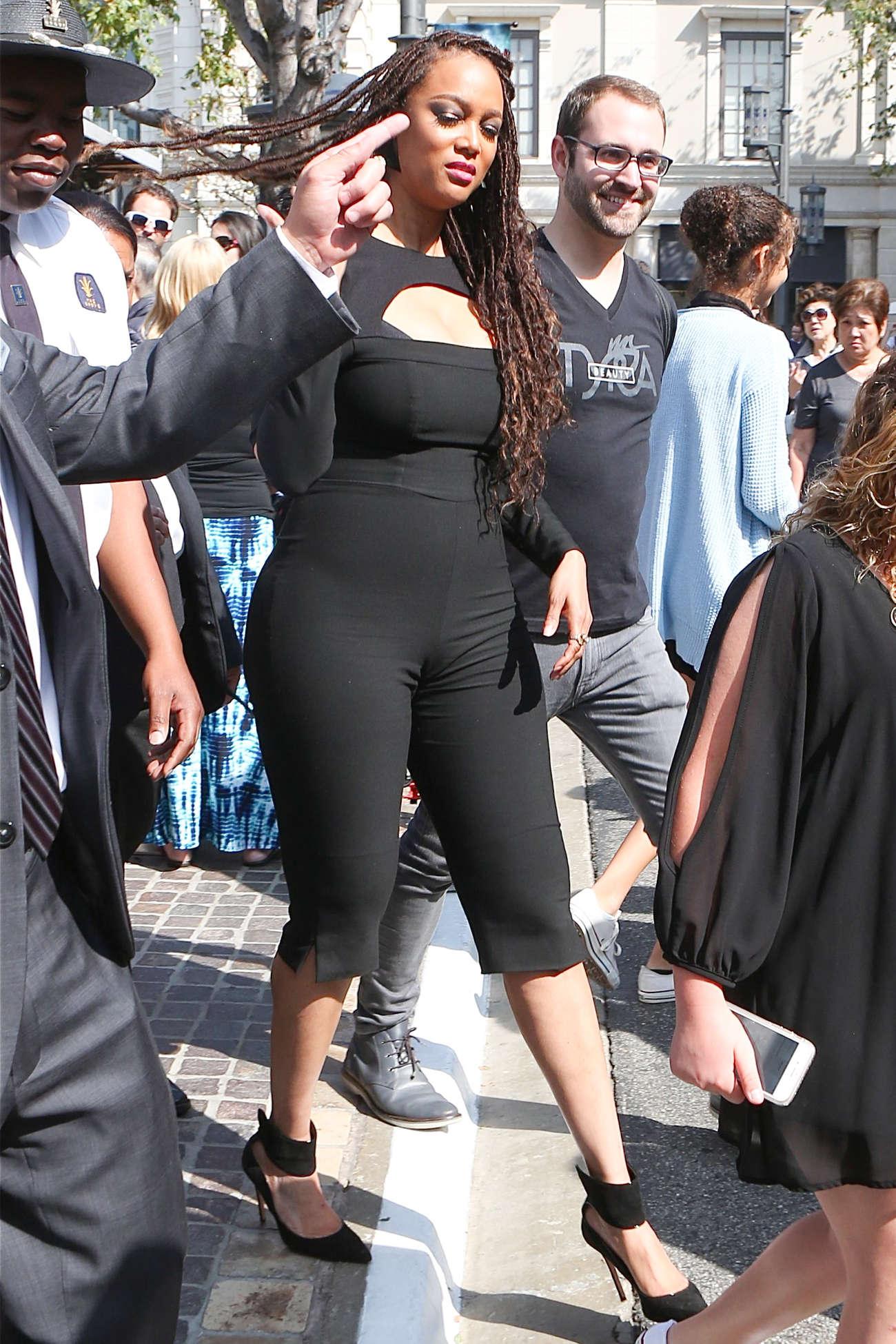 Biggest female pussy