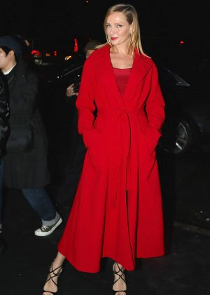 Uma Thurman - Arrives at the Versace Fashion Show in New York