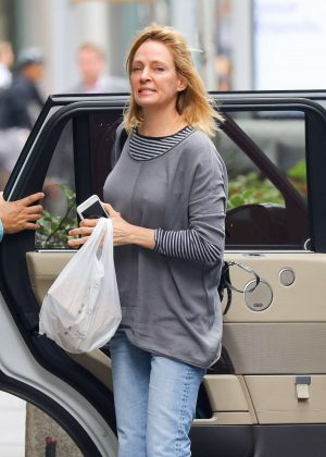 Uma Thurman in Jeans - Out and about in New York