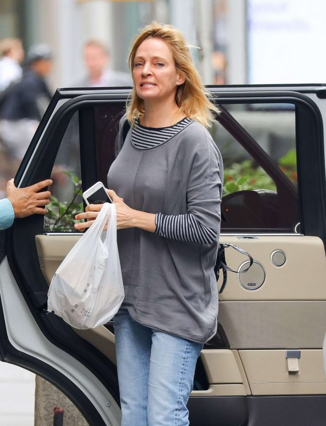 Uma Thurman in Jeans – Out and about in New York