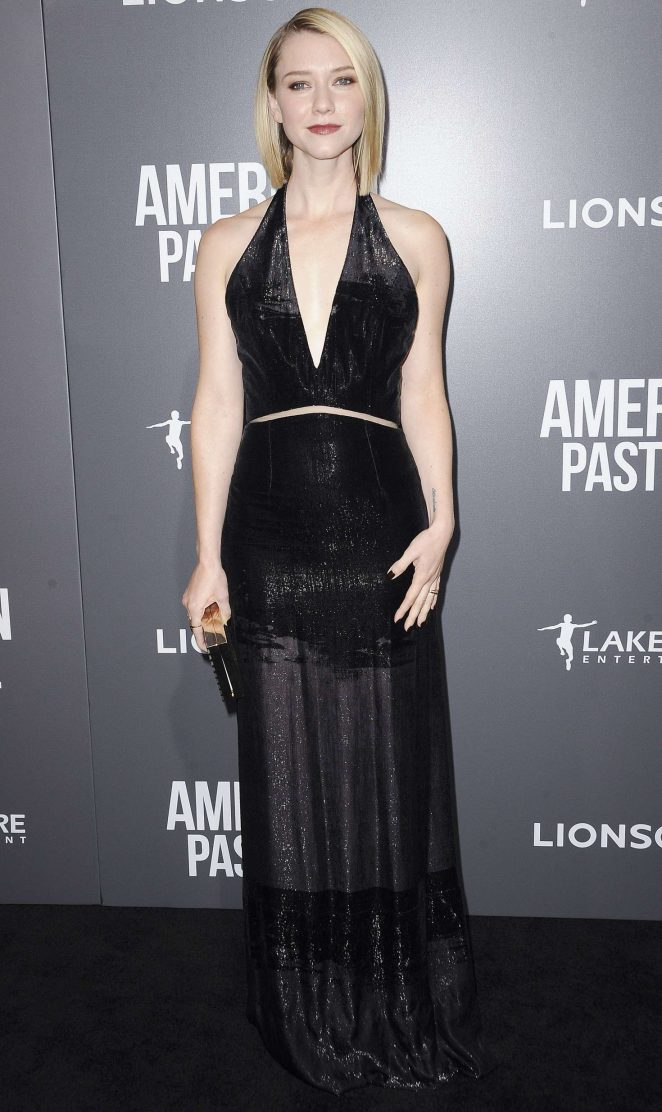 Valorie Curry: American Pastoral Premiere -02
