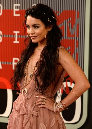 Vanessa Hudgens - 2015 MTV Video Music Awards in LA