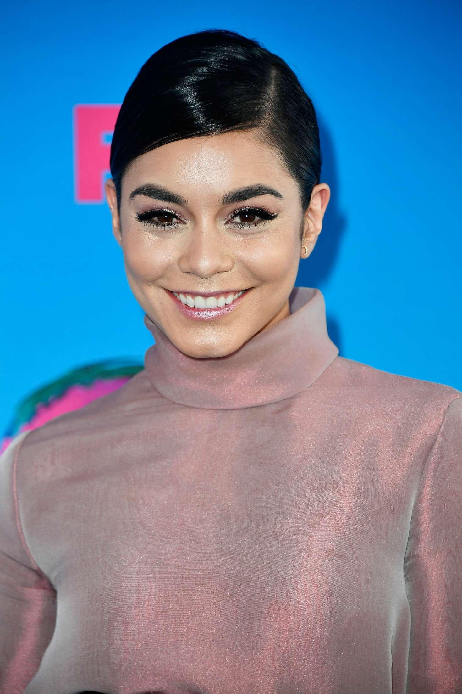 Vanessa Hudgens - 2017 Teen Choice Awards in Los Angeles