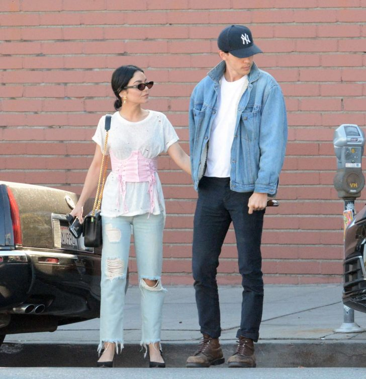 Vanessa Hudgens and Austin Butler: Out for dinner in Los Angeles -01