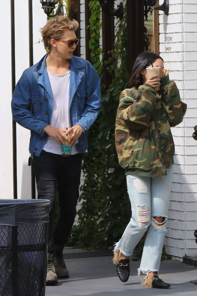 Vanessa Hudgens and Austin Butler out in Los Angeles -10