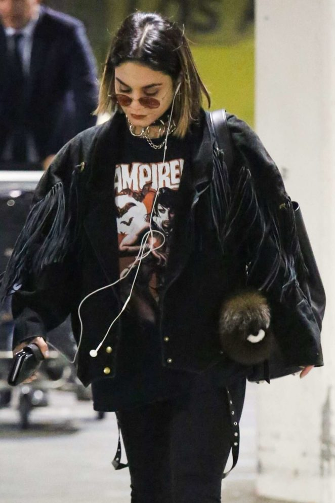 Vanessa Hudgens – Arrives at LAX Airport in LA