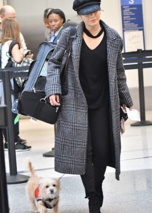 Vanessa Hudgens - Arrives at LAX Airport in Los Angeles