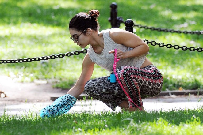 Vanessa Hudgens at Dog park -08