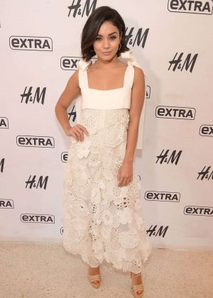 Vanessa Hudgens - Extra Studios at H&M Times Square in NYC