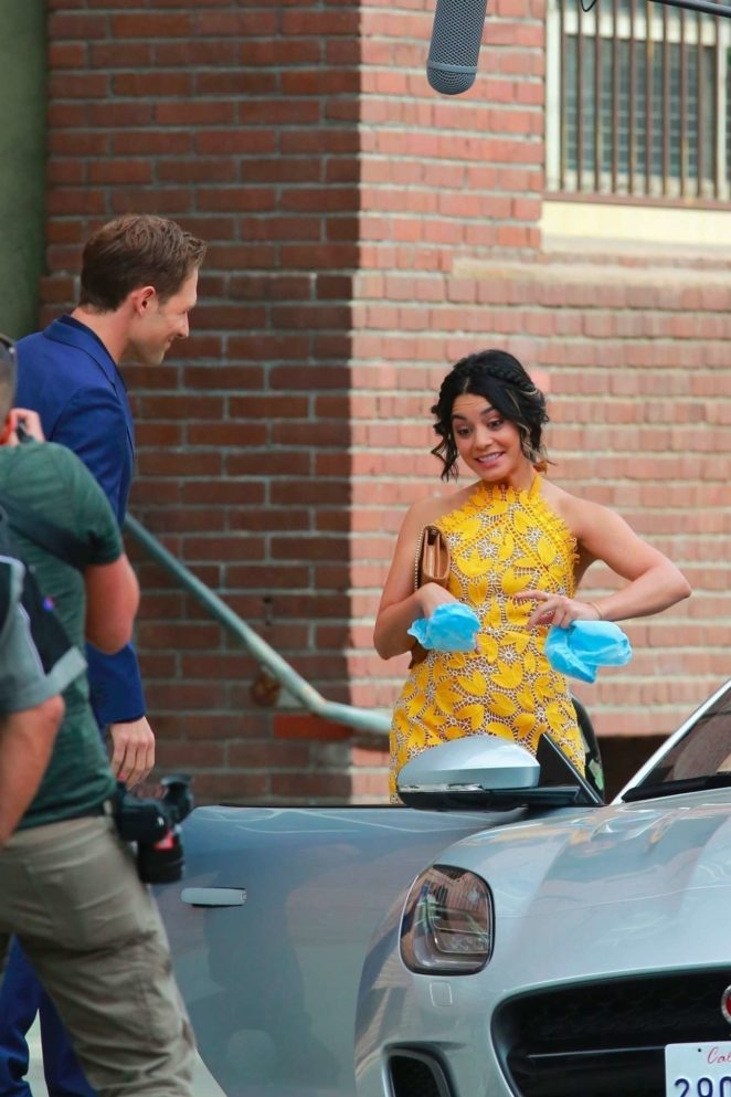 Vanessa Hudgens gin Yellow Mini Dress Filming Dog Days -09