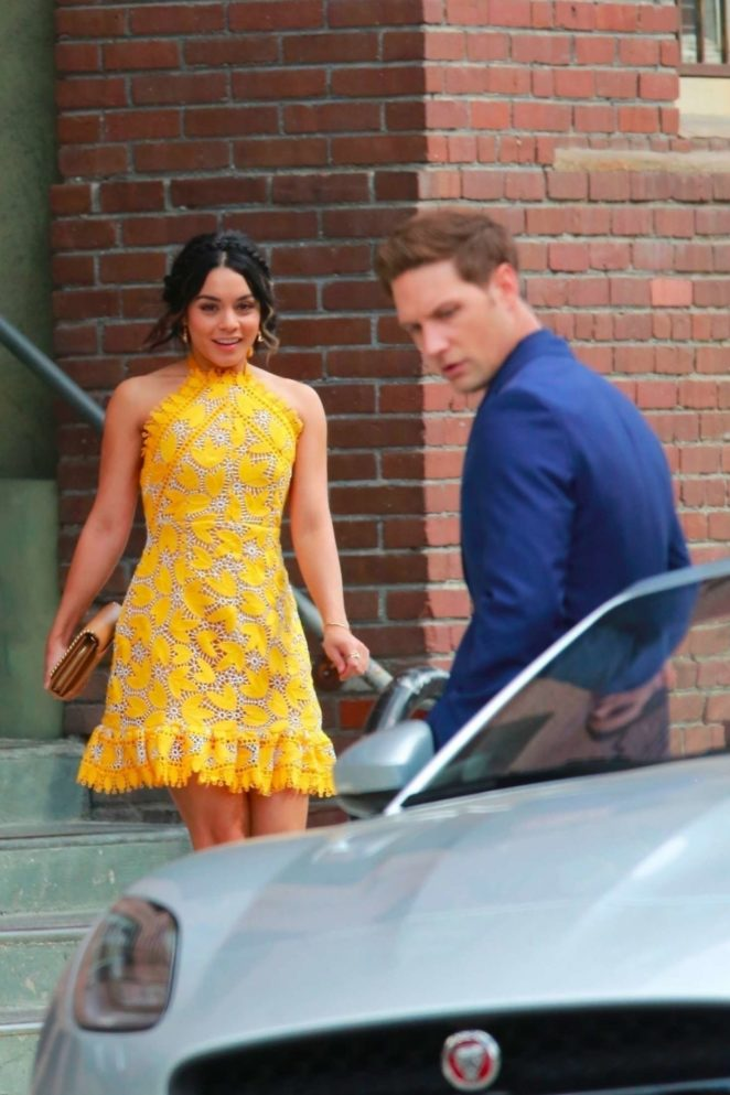 Vanessa Hudgens 2017 : Vanessa Hudgens gin Yellow Mini Dress Filming Dog Days -13