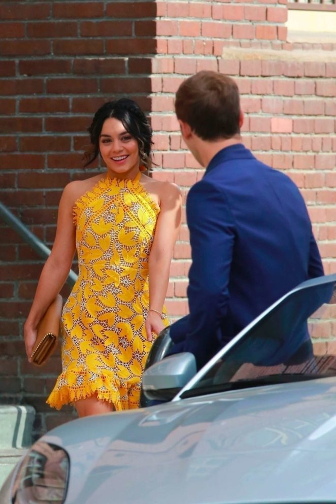 Vanessa Hudgens gin Yellow Mini Dress Filming Dog Days -18