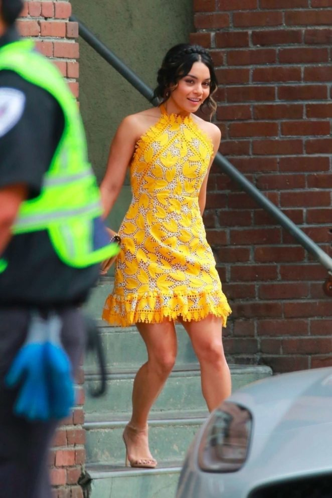 Vanessa Hudgens gin Yellow Mini Dress Filming Dog Days -19