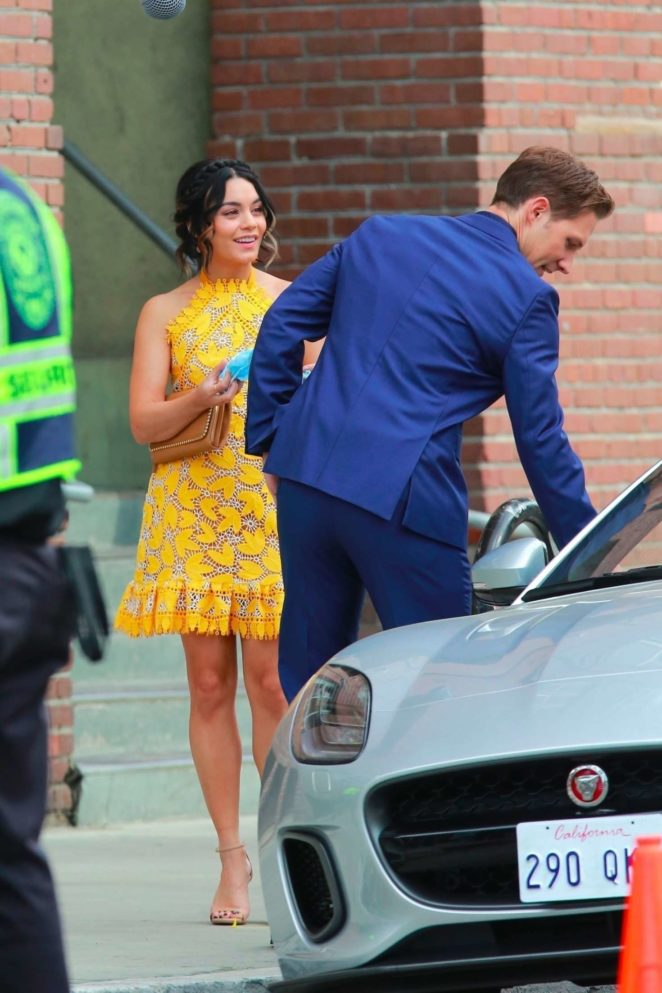 Vanessa Hudgens gin Yellow Mini Dress Filming Dog Days -33