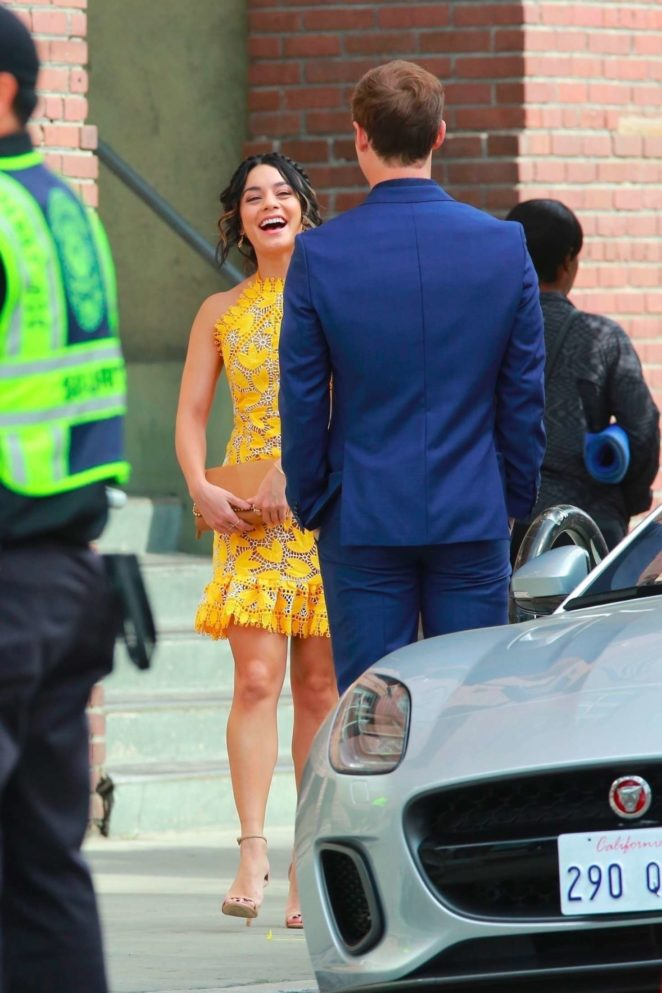 Vanessa Hudgens gin Yellow Mini Dress Filming Dog Days -44