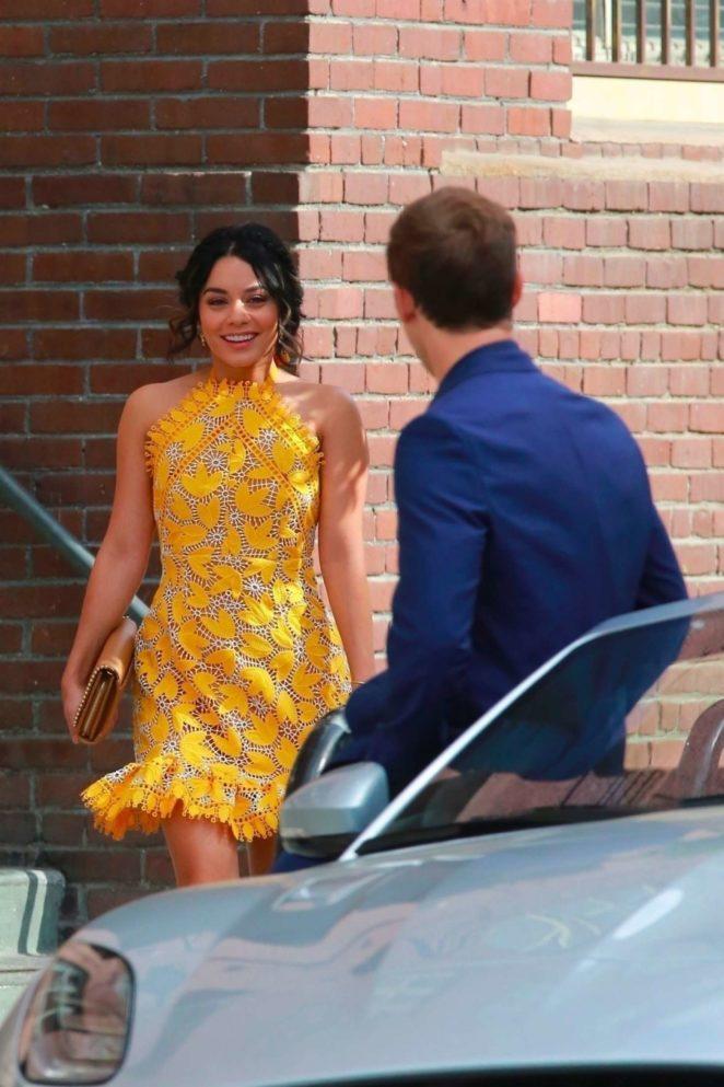 Vanessa Hudgens 2017 : Vanessa Hudgens gin Yellow Mini Dress Filming Dog Days -47