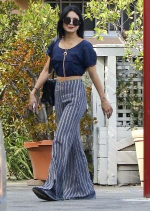 Vanessa Hudgens going to Bellwood Bakery in Studio City