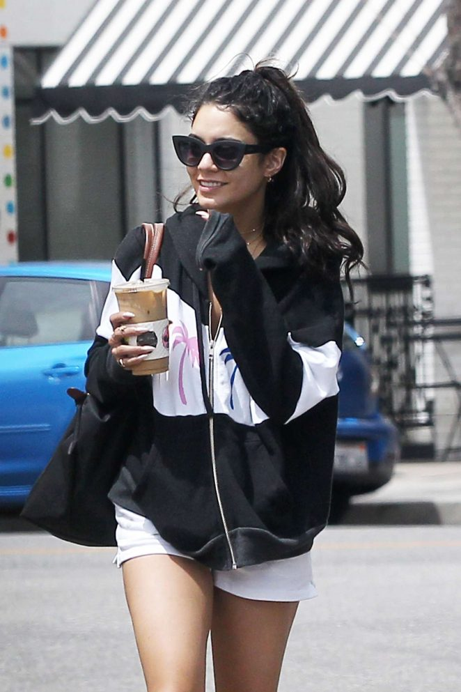Vanessa Hudgens – Grabs an iced drink from Alfred's coffee in LA
