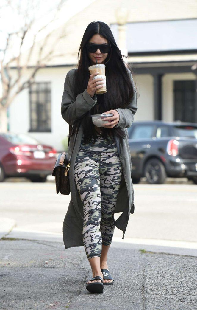 Vanessa Hudgens heads at pilates in LA